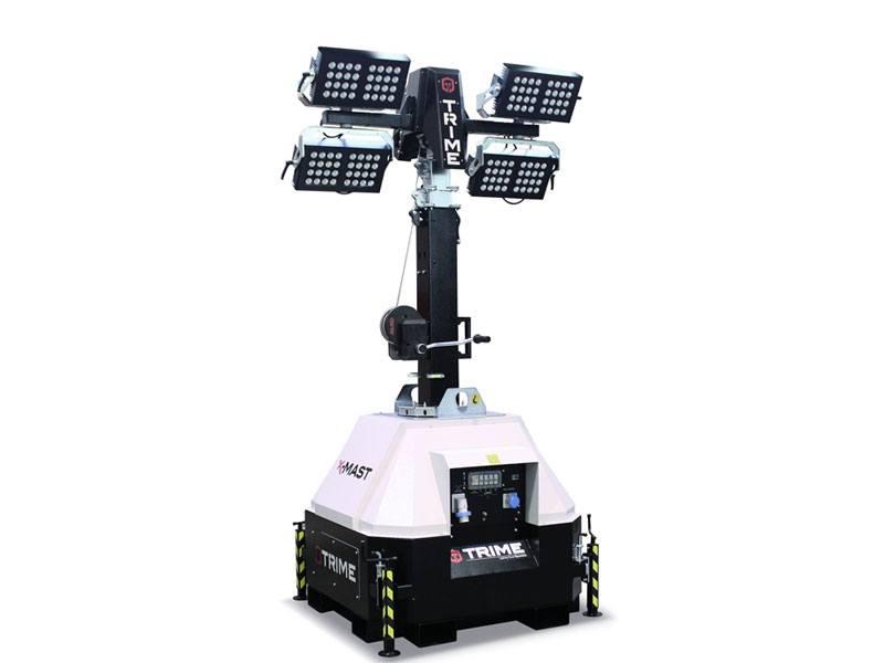 Lichtmast X-Mast 4 x 300 Watt LED