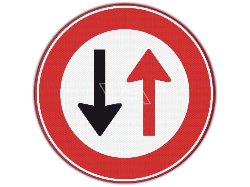 Verkeersbord RVV F05 - Voorrang verlenen aan tegemoetkomend verkeer