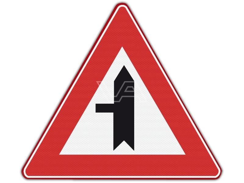 Verkeersbord RVV B04 - Voorrangskruising links